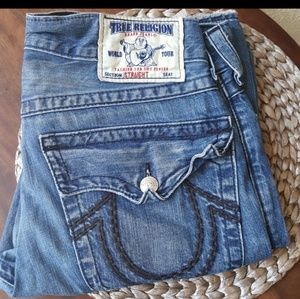 Worn True religion men's Jeans Size 33x33 Flawed